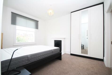 Yonge Park, London, N4. 2 bedroom apartment