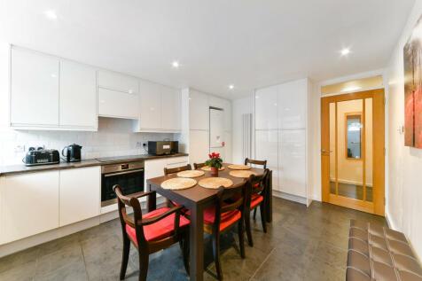 Mcdermott Close, SW11 2LY. 3 bedroom house
