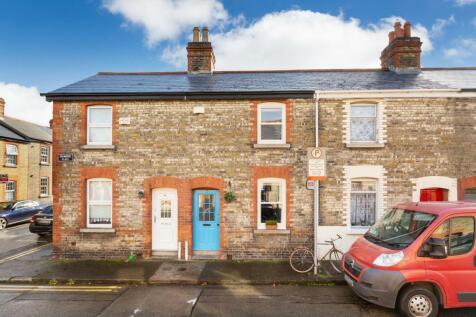 16 Drummond Place, Harolds Cross, Dublin 6, D06 AP92. 2 bedroom terraced house for sale