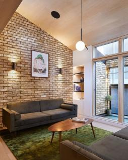 Voss Street, Bethnal Green, London, E2. 3 bedroom mews house for sale