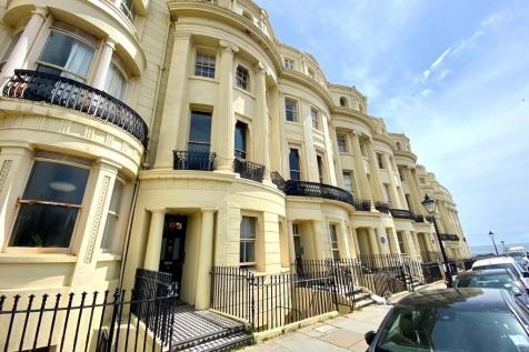 6 Brunswick Square, Hove. 1 bedroom property