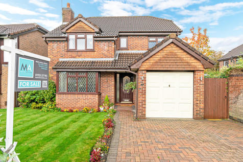 Edward Gardens, Woolston, Warrington, Cheshire. 4 bedroom detached house for sale