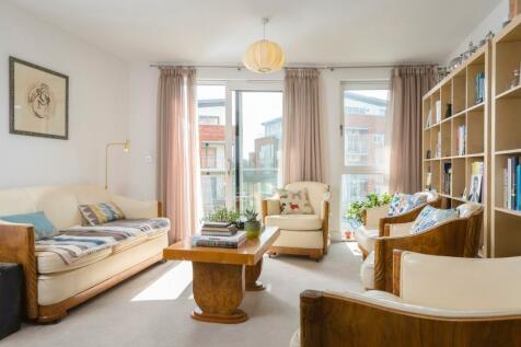 Opus House, Charrington Place, St Albans, AL1. 2 bedroom apartment