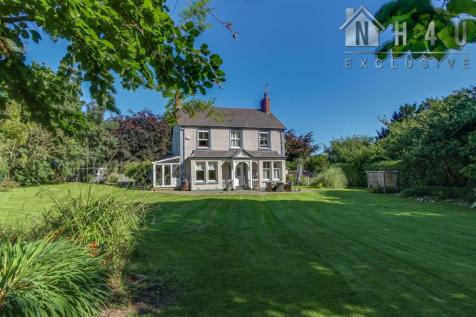Pen Y Cefn Road, Caerwys, Mold. 3 bedroom detached house