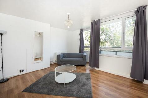 Strathdon Drive London SW17. 4 bedroom flat