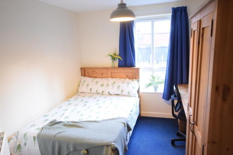 Brayford Court - Student Apartment 21/22. 3 bedroom flat share