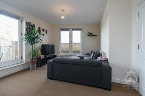 King George Crescent, Wembley, Middlesex, HA0. 1 bedroom flat