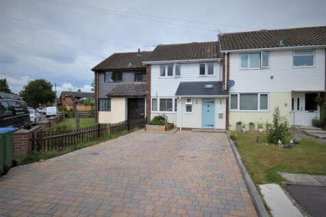 Beverley Close, Park Gate, SO31 6QU. 3 bedroom terraced house