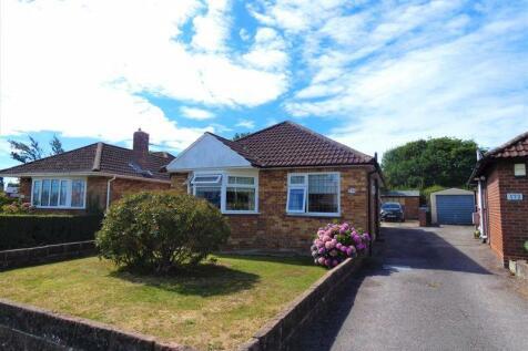 Blackbrook Road, Fareham, PO15 5BS. 2 bedroom detached bungalow