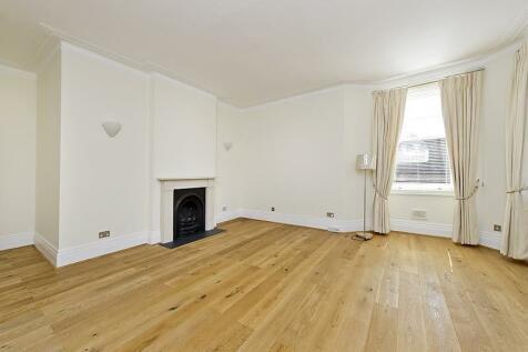 Drayton Gardens, Chelsea SW10. 4 bedroom flat