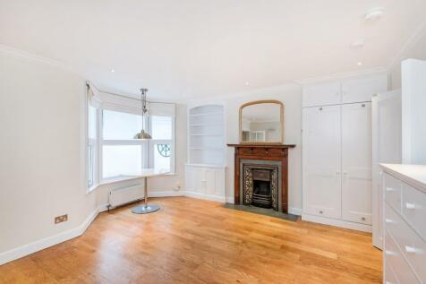 Edith Grove, Chelsea SW10. Studio flat