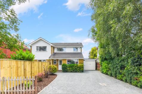 Carlton Road, Redhill. 5 bedroom detached house