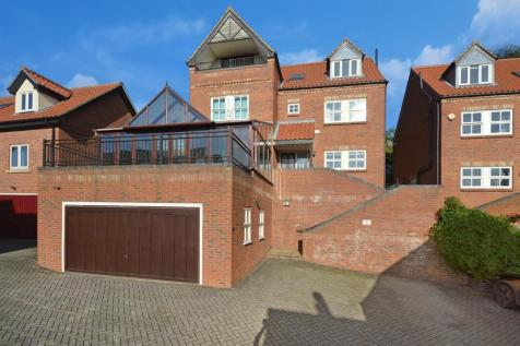 St. Michaels Terrace, Lincoln. 5 bedroom detached house for sale