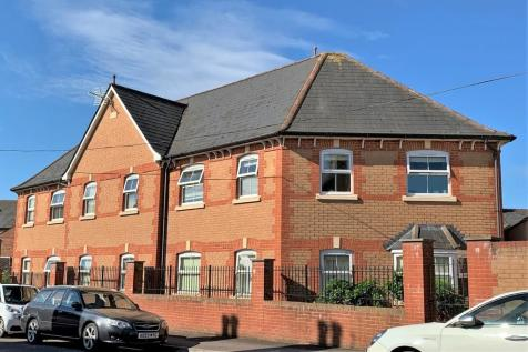 Harcourt Street, Taunton. 1 bedroom flat