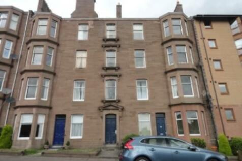 275 1/2 Blackness Road, Dundee,. 3 bedroom flat