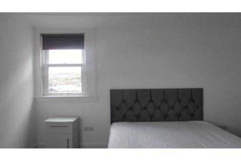 APARTMENT ROOM AVAILABLE , ,. 1 bedroom flat