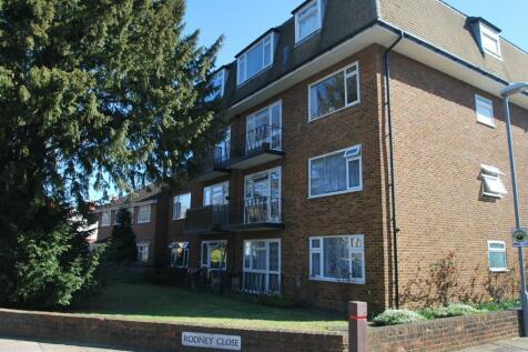 Rodney Close, New Malden, London, KT3. 2 bedroom flat