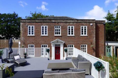 Preston Road, Preston, Weymouth. 5 bedroom detached house