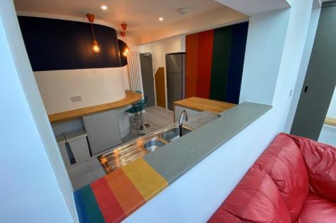 Blue Room @ Salisbury Street, Beeston, NG9 2EQ. 1 bedroom house