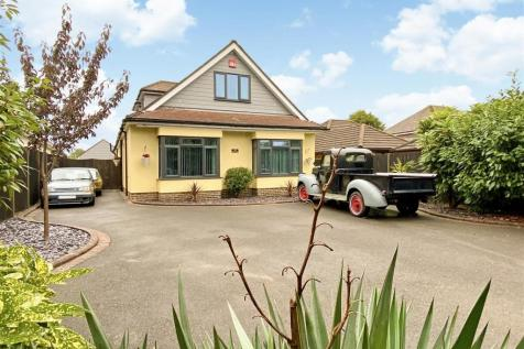 Drift Road, Clanfield.. 5 bedroom detached house