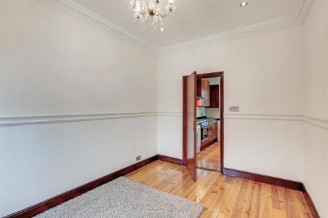 Knights Hill, West Norwood. 1 bedroom flat