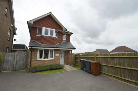 Whitehill Road, Crowborough. 3 bedroom detached house