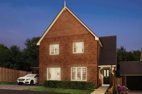 Saffron Grove, Crowborough, TN6. 4 bedroom detached house for sale