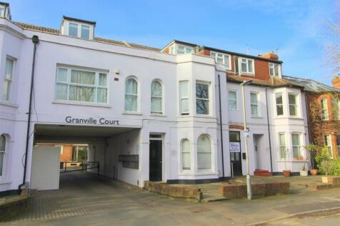 Granville Road, St. Albans, Hertfordshire. Studio flat