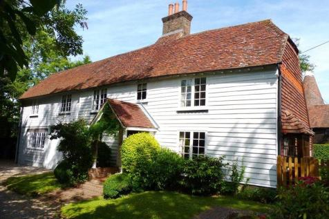 Boars Head, Crowborough, East Sussex, TN6. 3 bedroom detached house