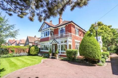 Uphill Road North. 4 bedroom detached house