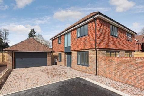 Crowborough Hill, Crowborough. 4 bedroom detached house for sale