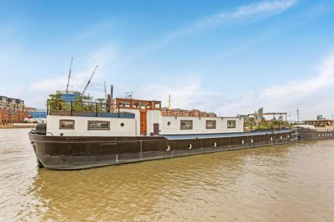 Plantation Wharf Pier, Battersea, SW11. 4 bedroom house boat