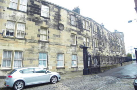 Anchor Buildings, Paisley, Renfrewshire, PA1. 1 bedroom flat