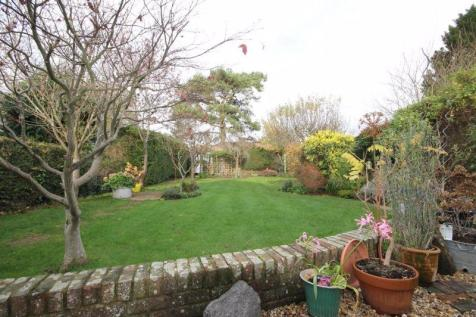 GREAT BOOKHAM. 5 bedroom detached house for sale
