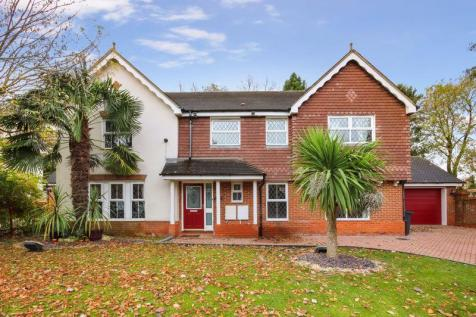 ASHTEAD/LEATHERHEAD. 5 bedroom detached house for sale