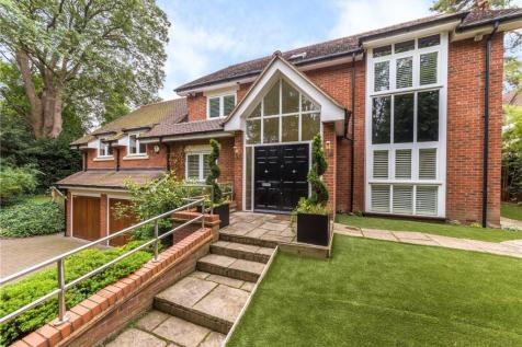 Cathedral Court, St. Albans, Hertfordshire. 6 bedroom detached house for sale