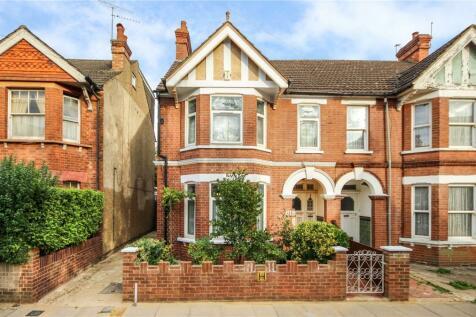 Blandford Road, St. Albans. 4 bedroom semi-detached house for sale
