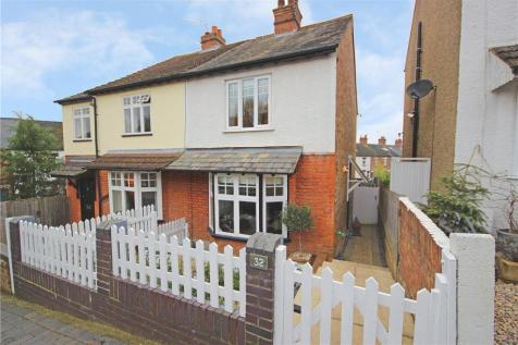 Cornwall Road, St. Albans, Hertfordshire. 3 bedroom semi-detached house for sale