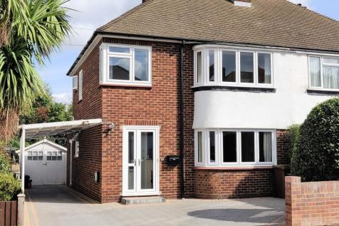 Audley Avenue, Darland. 3 bedroom semi-detached house