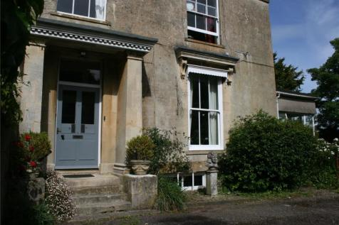 Hill House, 37 Innox Hill, Frome, Somerset, BA11. 4 bedroom maisonette