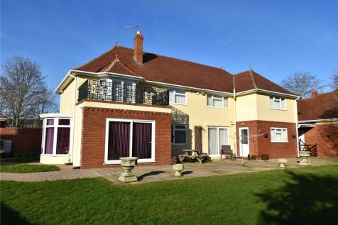 Berkley Road, Frome, Somerset, BA11. 4 bedroom house