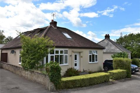 Styles Hill, Frome, Somerset, BA11. 4 bedroom bungalow
