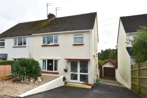 Beechwood Avenue, Frome, Somerset, BA11. 3 bedroom semi-detached house for sale
