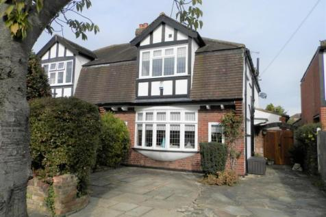 Springfield Gardens, Upminster. 3 bedroom semi-detached house for sale
