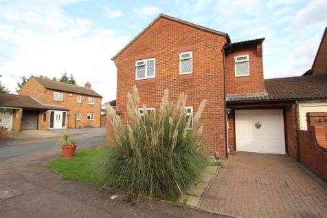 Oakview Close, Cheshunt, - Large 4 Double Bedroom Detached House. 4 bedroom detached house for sale