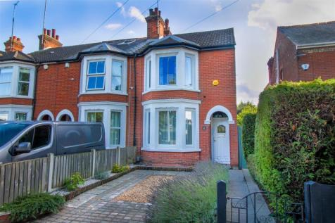Old Heath Road, Old Heath, Colchester, CO1. 3 bedroom semi-detached house
