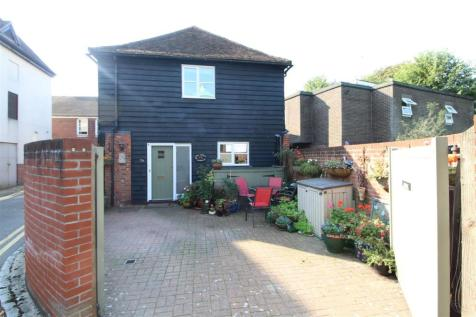 Church Street, Colchester, CO1. 3 bedroom semi-detached house