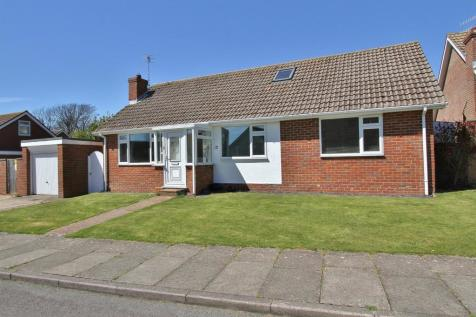 Kingsmead Way, Seaford. 4 bedroom detached house for sale