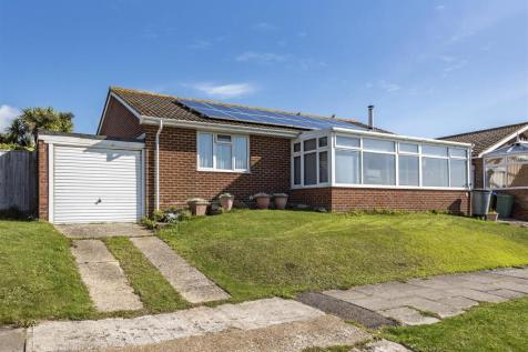 St. Andrews Drive, Seaford. 3 bedroom detached bungalow for sale