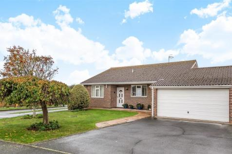 May Avenue, Seaford. 3 bedroom detached bungalow for sale